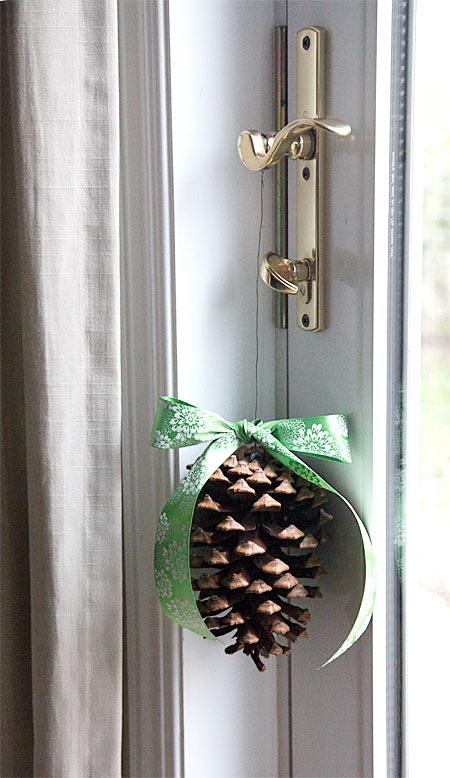 Pine cone door decoration for Pine cone door decoration