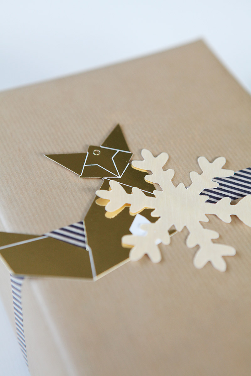 Simple gift wrap idea for Christmas