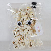 Pocket popcorn ghosts