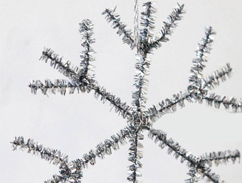 Snow flakes from pipe cleaners