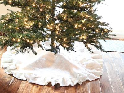 Pleated burlap tree skirt - DIY