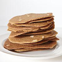 Brown spiced crispy thins {Brunkager}