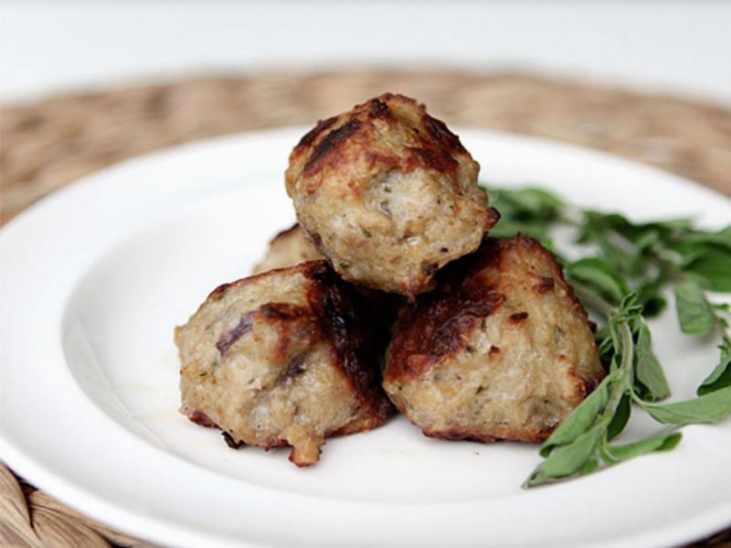 Fresh herb and juniper berry meatballs (paleo)