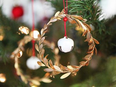 Jingle Mingle: leaf and jingle bell ornaments
