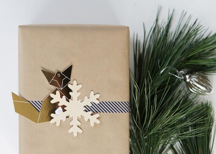 Simple giftwrap idea for Christmas